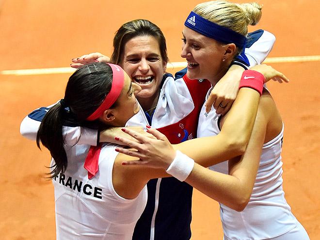 Франция спасла матч с Италией с 0-2 в Fed Cup