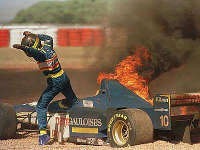 Горячие моменты гонок: пожары в Формуле-1. Часть 2