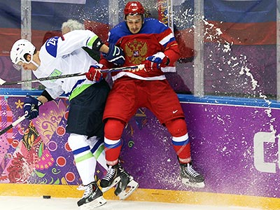Хоккеисты стартовали с победы
