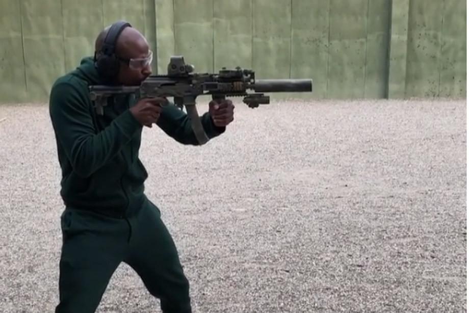 Мэйуэзер приехал вЧечню ипострелял извинтовки