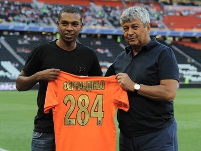 Бразилец Фернандиньо попрощался с Донецком