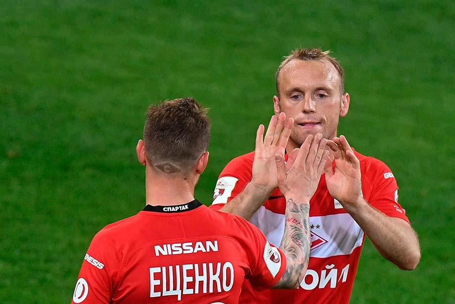 Тренер «Спартака» отстранил 2-х игроков клуба после лайков поста сего критикой