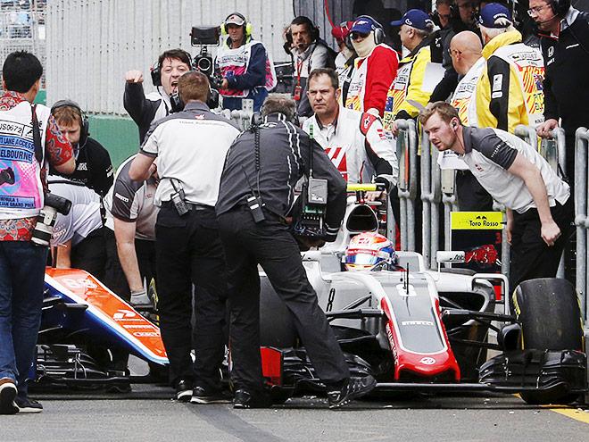 5 самых известных инцидентов на пит-лейне во время гонок Формулы-1
