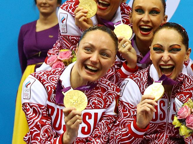 Анастасия Давыдова и партнёрши по сборной