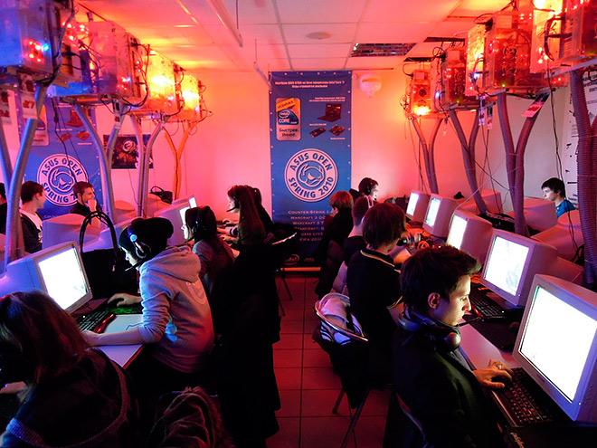 История двух серий киберспортивных турниров в СНГ