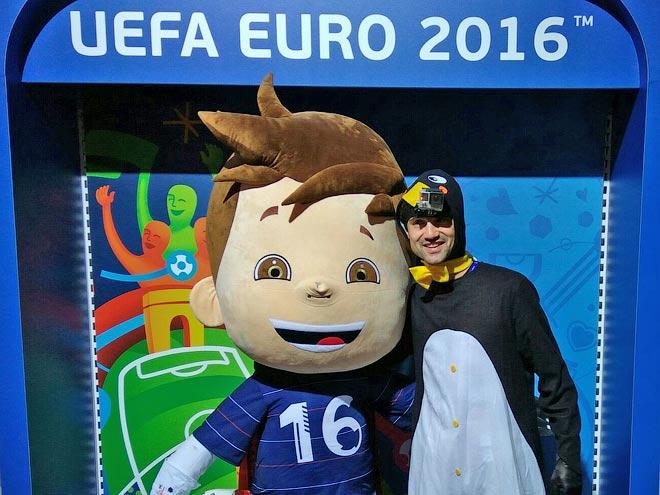 Как корреспондент «Чемпионата» работал талисманом на Евро-2016: видео