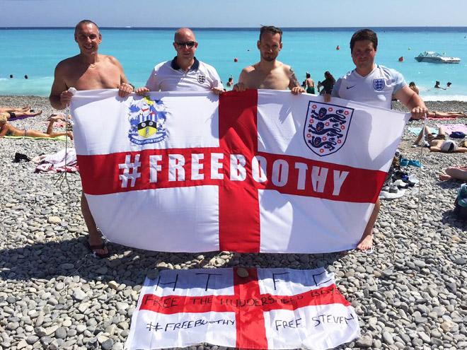 Англия вылетает из Европы, но помнит российских фанатов