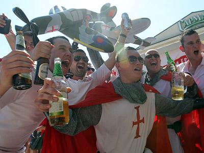 Донецк заполонили фанаты Англии, Франции, Украины и России