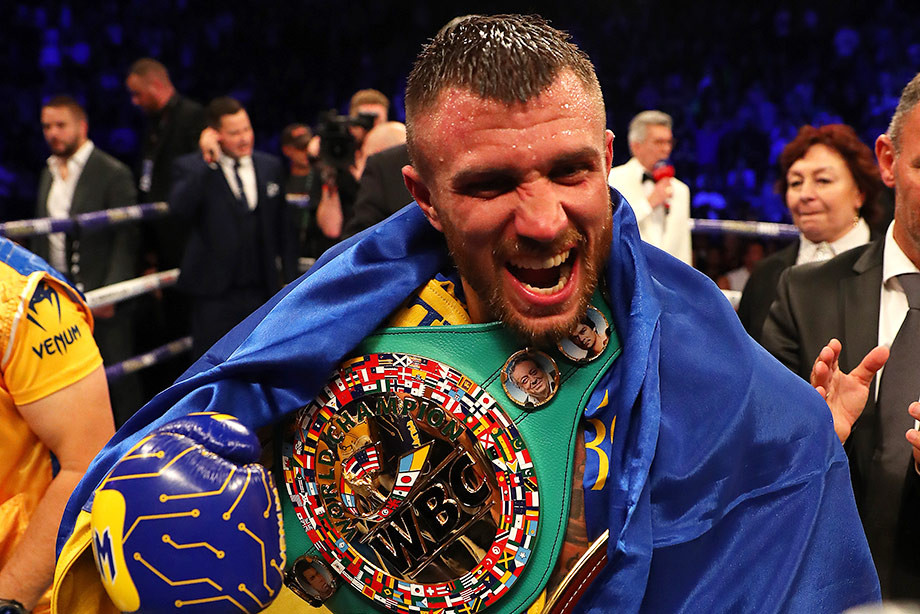 Василий Ломаченко победил Люка Кэмпбелла в и выиграл пояс WBC
