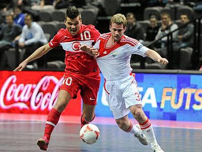 Переверзев хочет сыграть с испанцами в финале мини-футбольного Евро
