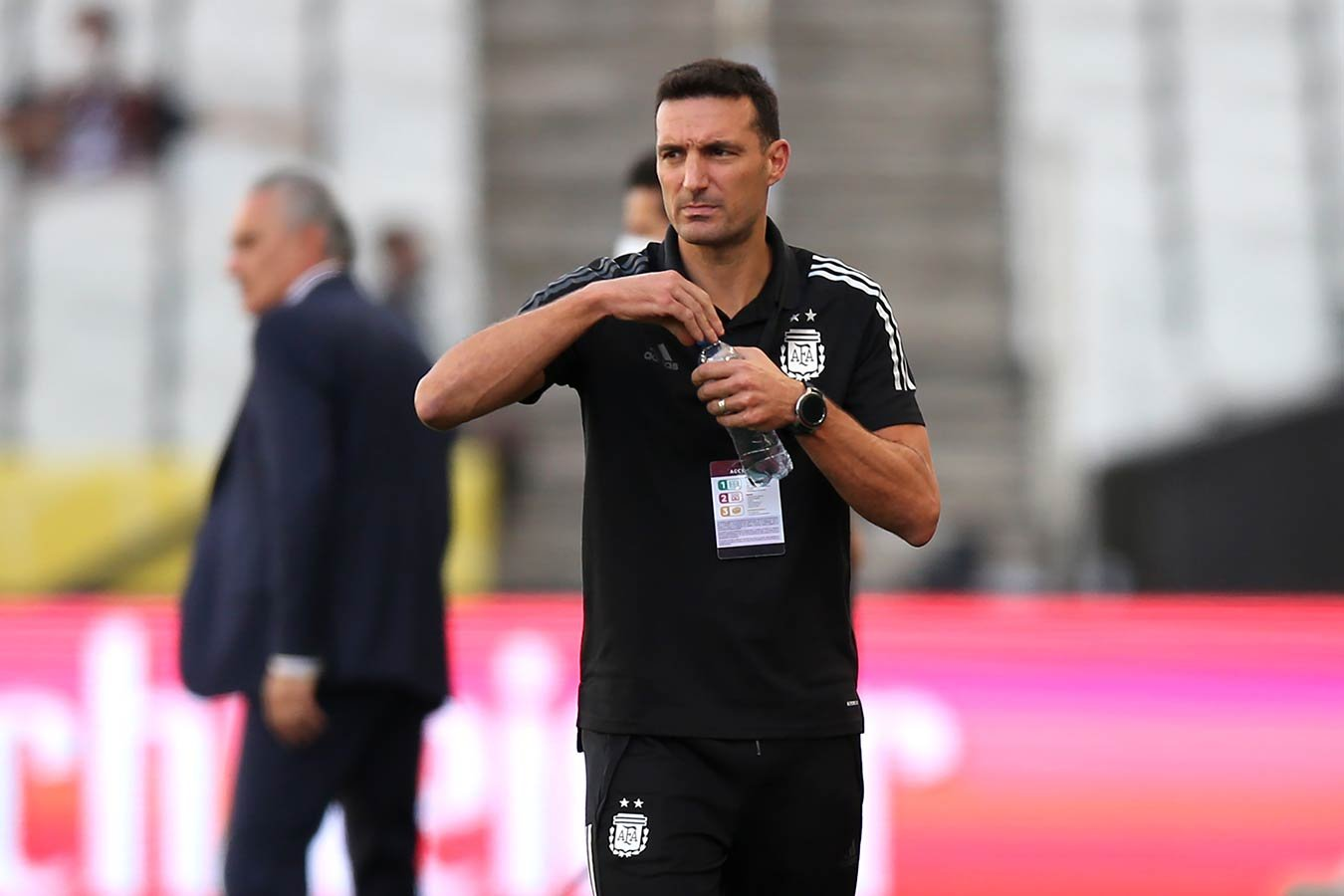 Тренер сборной Аргентины прокомментировал уход игроков с поля в матче с Бразилией