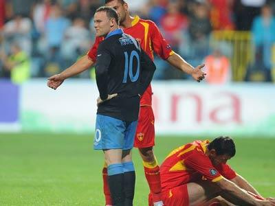 Экс-защитник сборной выделил пару центральных защитников для Евро