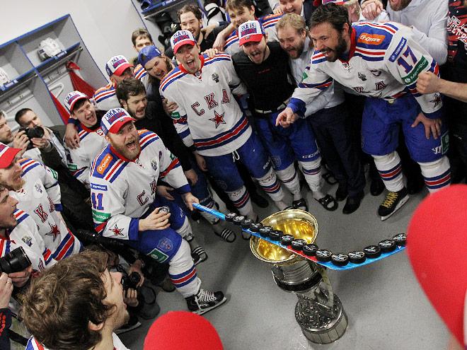 Репортаж из чемпионской раздевалки СКА