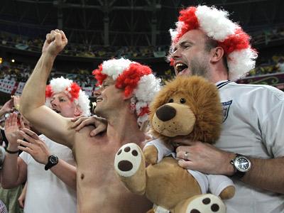Как английские фанаты жили и смотрели футбол в Донецке