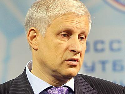 Фурсенко: контракт с Адвокатом продлим до Евро