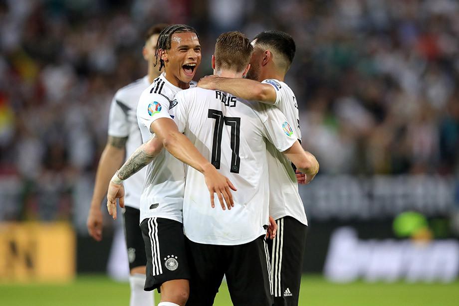 Германия забила Эстонии 5 голов за 37 минут