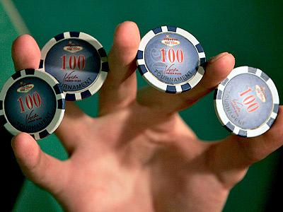 Классы WoW рассевшиеся за покерным столом