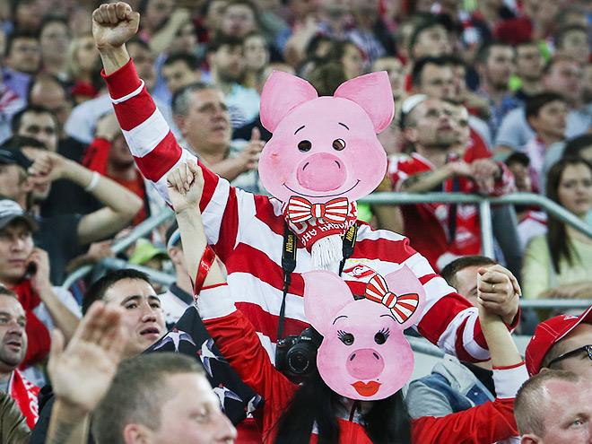 Лучшие фото 10-го тура Премьер-Лиги