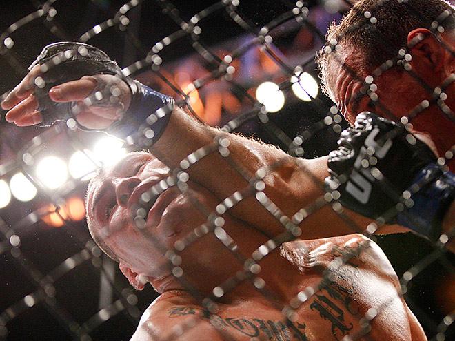 Анонс боя Бен Ротвел – Жуниор дус Сантус на UFC Fight Night 69