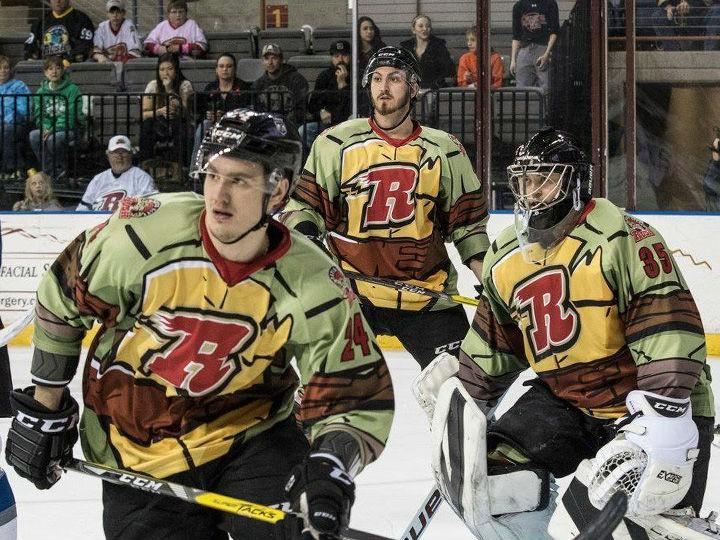 В Лиге Восточного побережья сыграли в хоккей в форме черепашек-ниндзя