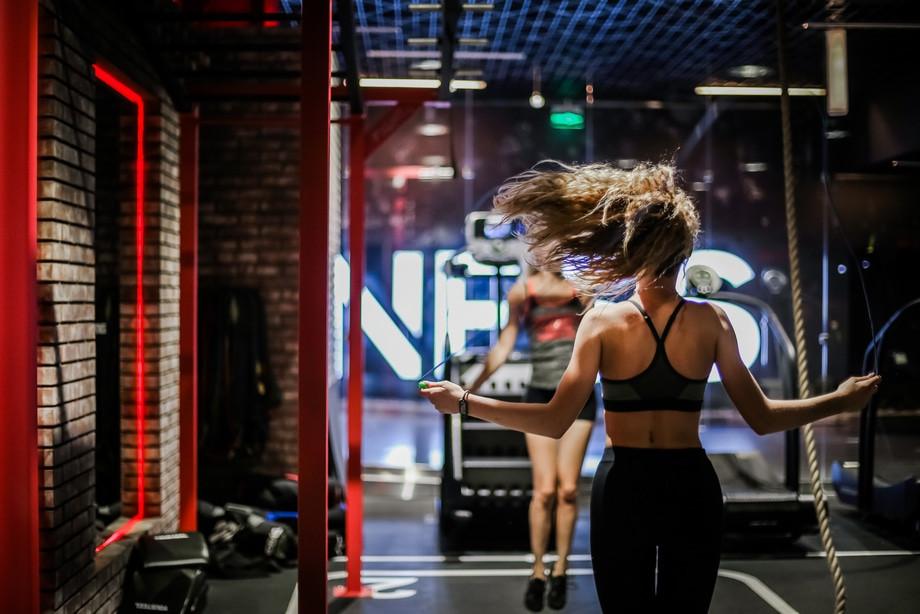 Утро, вечер или ночь: когда заниматься спортом наиболее эффективно?