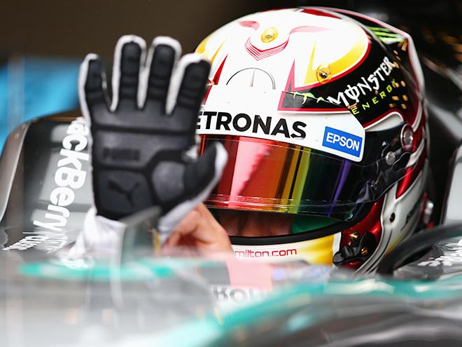 «Мерседес» выиграл квалификацию Гран-при Австралии