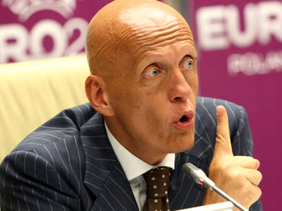 Руководителю украинских судей предложили остаться в Украине