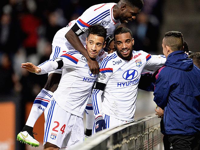 «Лион» вновь лидирует в чемпионате Франции