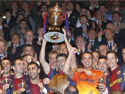 «Барселона» в третий раз выиграла Кубок Короля