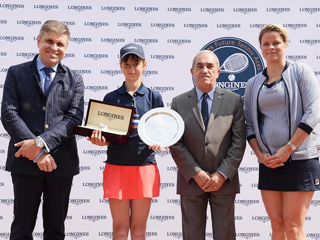 Россиянка Волгапкина заняла второе место на турнире Longines в Париже