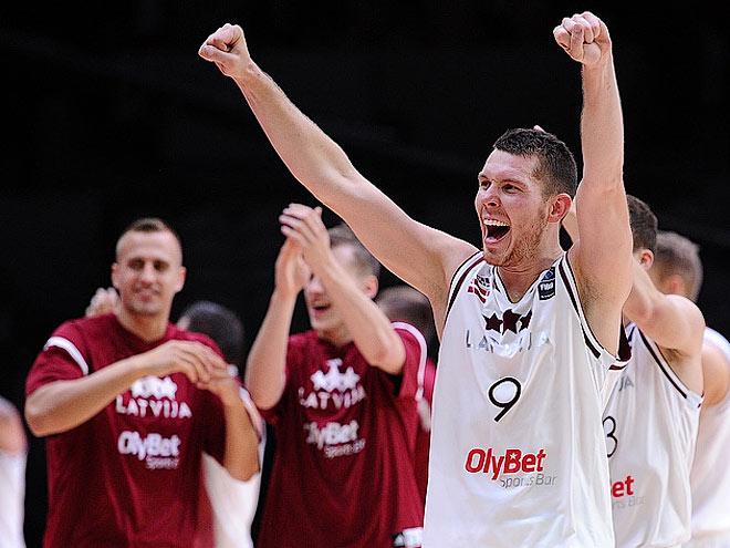 Чехия и Латвия - в четвертьфинале Евробаскета