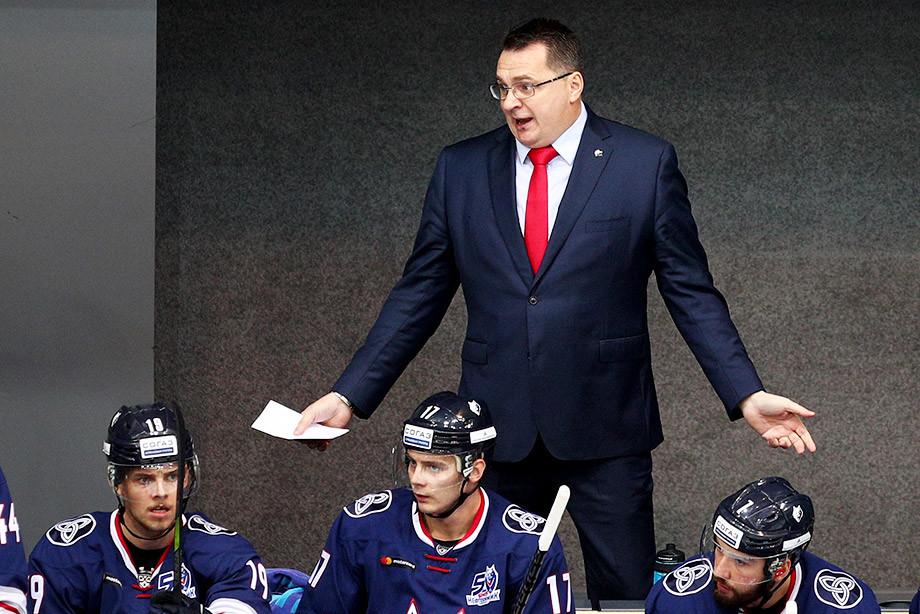 Дальше без Назарова. Из клуба КХЛ убрали самого медийного тренера лиги