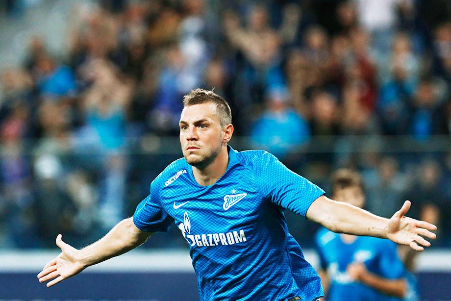 «Динамо» сыграло с «Зенитом» в пять защитников. Дзюбу не удержали даже двое