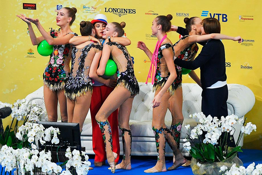 Россиянки выиграли семь золотых наград наЧМ похудожественной гимнастике
