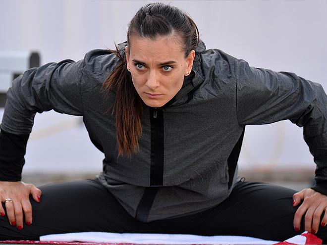 Как Елена Исинбаева прыгает на чемпионате России