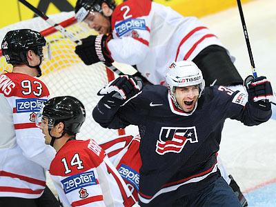 В зрелищной перестрелке сборная США в овертайме одолела Канаду