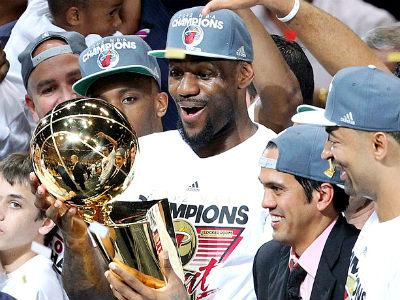 """Трипл-дабл Джеймса помог """"Майами Хит"""" стать чемпионом НБА-2011/12"""