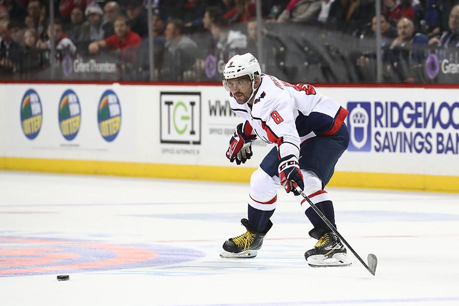 Овечкин — первый среди великих. Так часто в НХЛ не бросал даже Гретцки