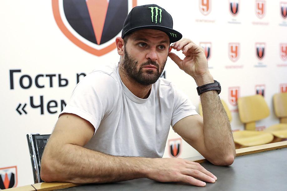Хоккеист Радулов рассказал о разводе с гимнасткой Дмитриевой ... | 614x920