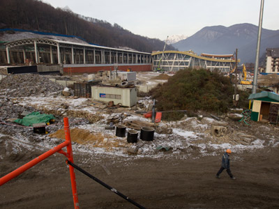"""Строящийся вокзал """"Альпика-Сервис"""""""