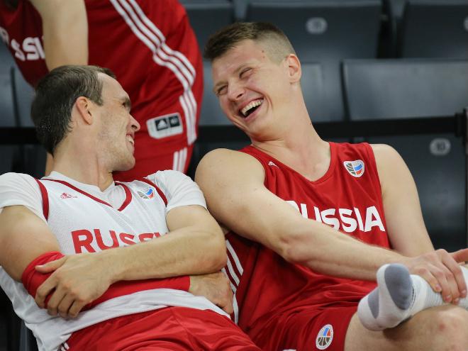Алексей Швед и Виталий Фридзон не сыграют в отборе Евробаскета из-за травм