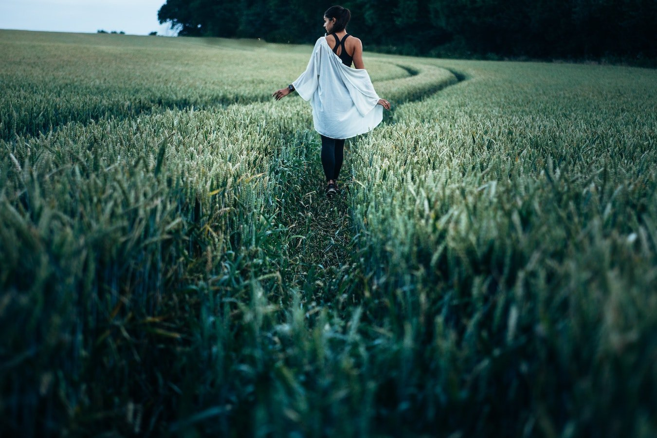 Зачем медитировать во время прогулки