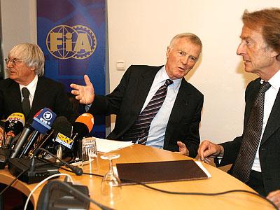 """""""Феррари"""" критикует FIA шёпотом"""