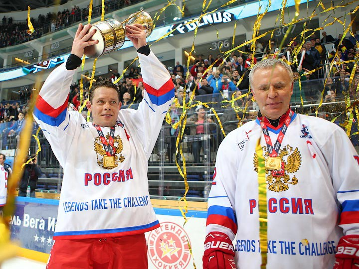 https://img.championat.com/news/big/f/e/bure-larionov-peterek-i-drug.jpg