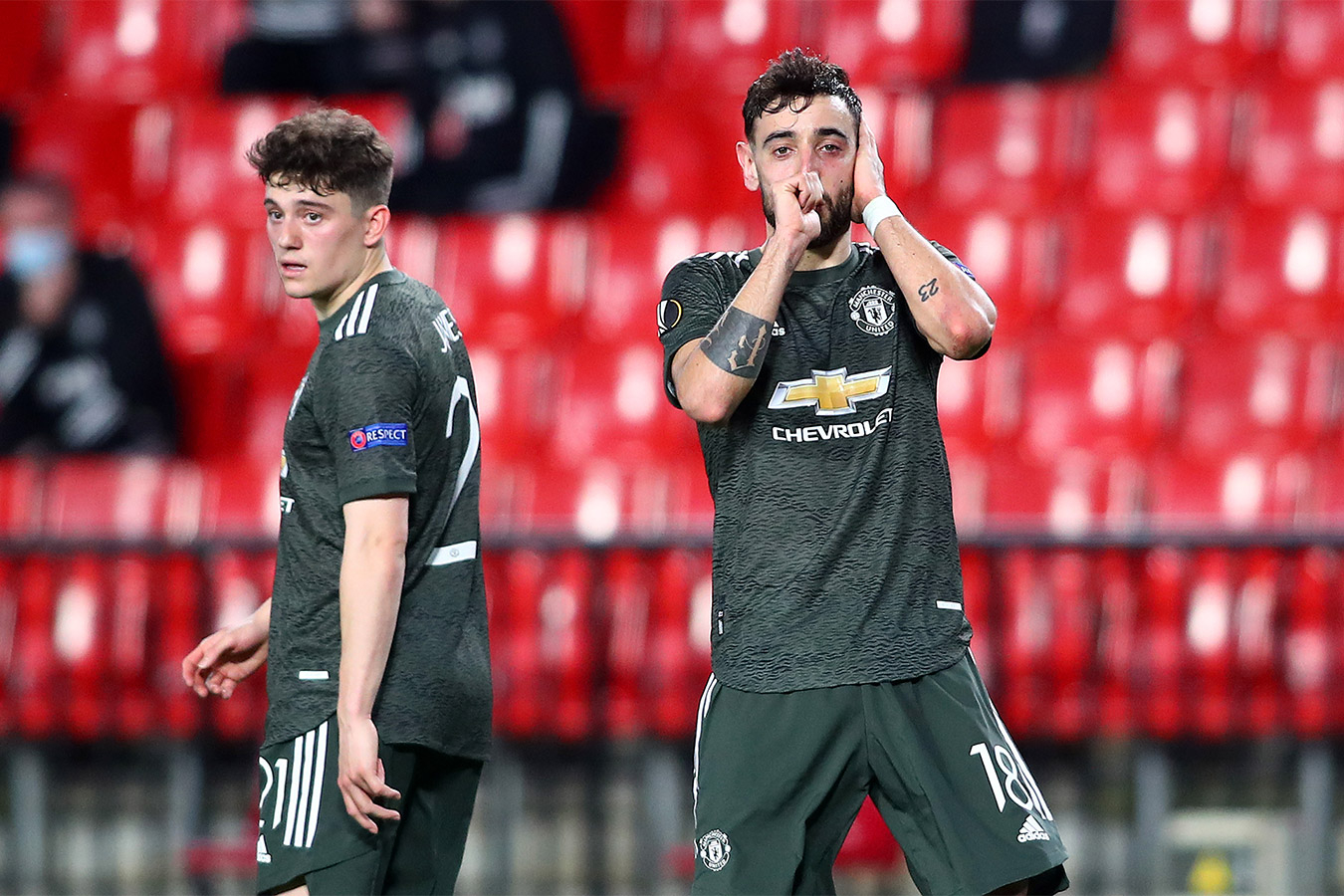 Манчестер Юнайтед обыграл Гранаду в первом матче 1/4 финала ЛЕ