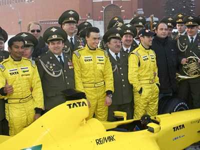 Русинов: обратите внимание на российских пилотов!