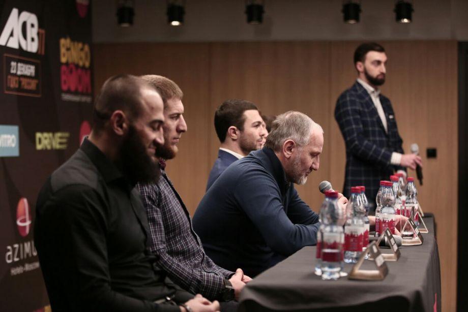 Хасиев: в ACB женских боёв не будет, и UFC советую от них отказаться