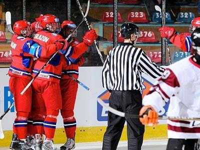 Юниорская сборная России уверенно обыграла сборную Латвии