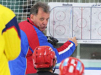 Наставник молодёжной сборной побывал в Челябинске