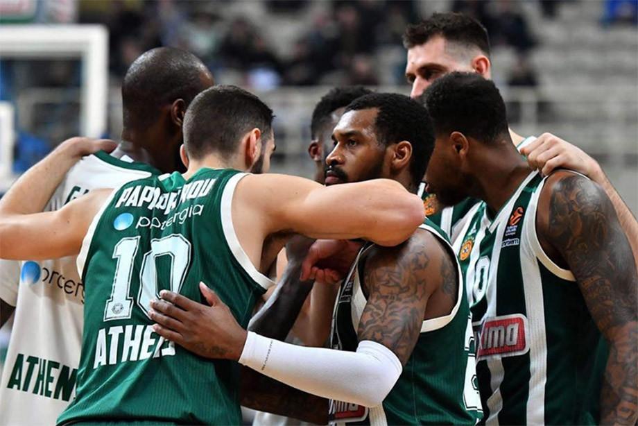 «Панатинаикос» и «Олимпиакос» продолжают воевать друг с другом